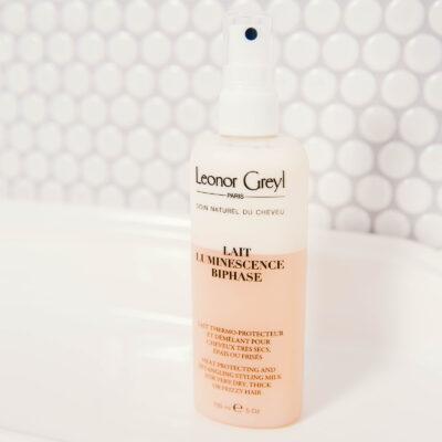 Leonor Greyl Lait Luminescence BiPhasé dans salle de bain